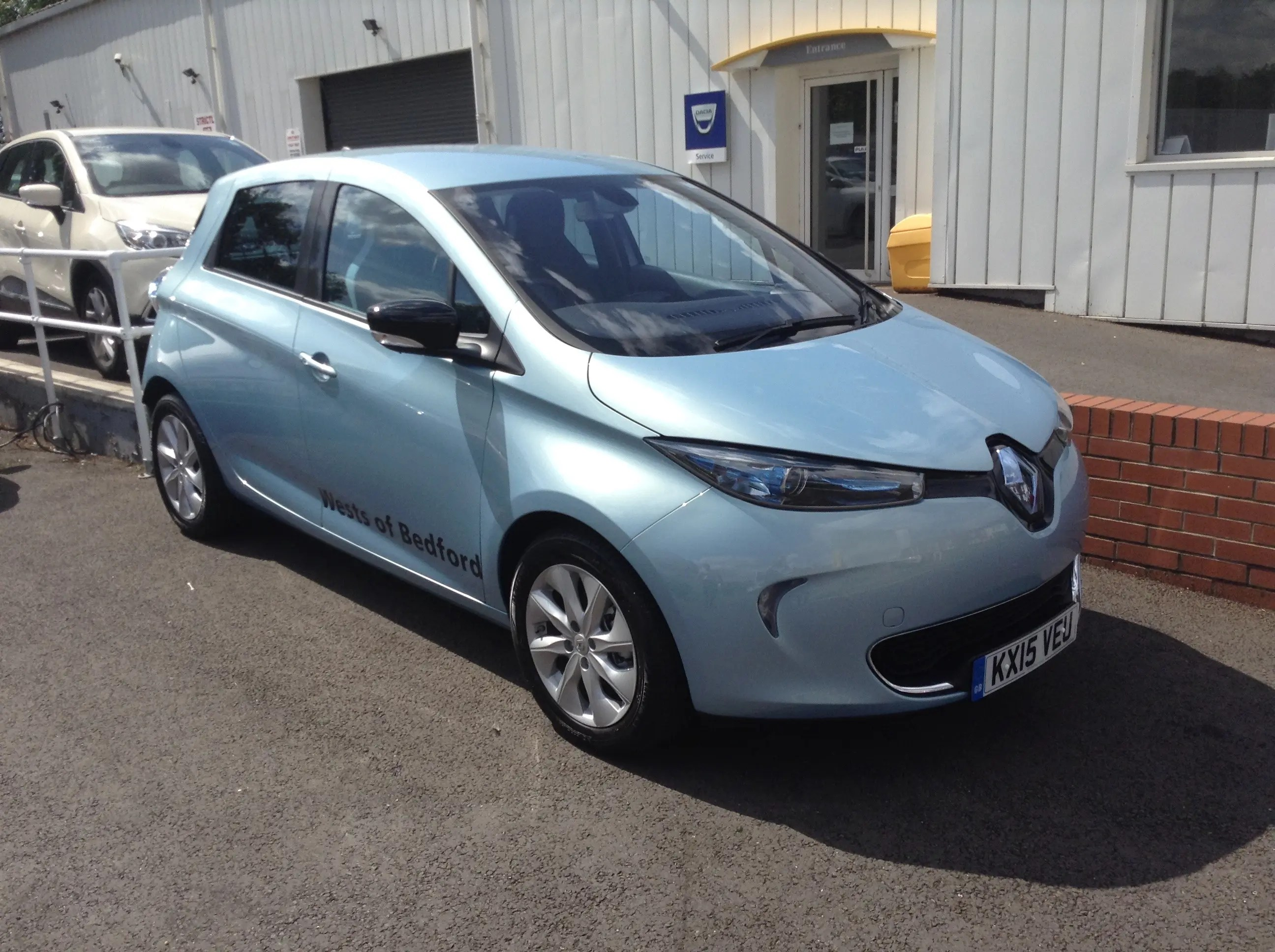 renault zoe in uk test drive review. Black Bedroom Furniture Sets. Home Design Ideas
