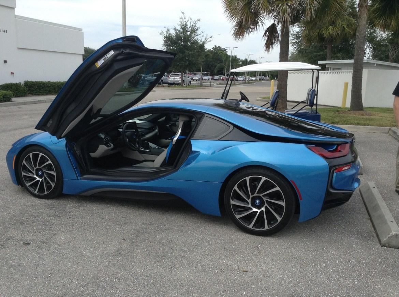 BMW i8 Blue 16