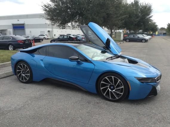 BMW i8 Blue 5