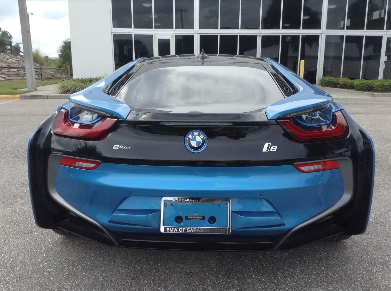 BMW i8 Blue 9