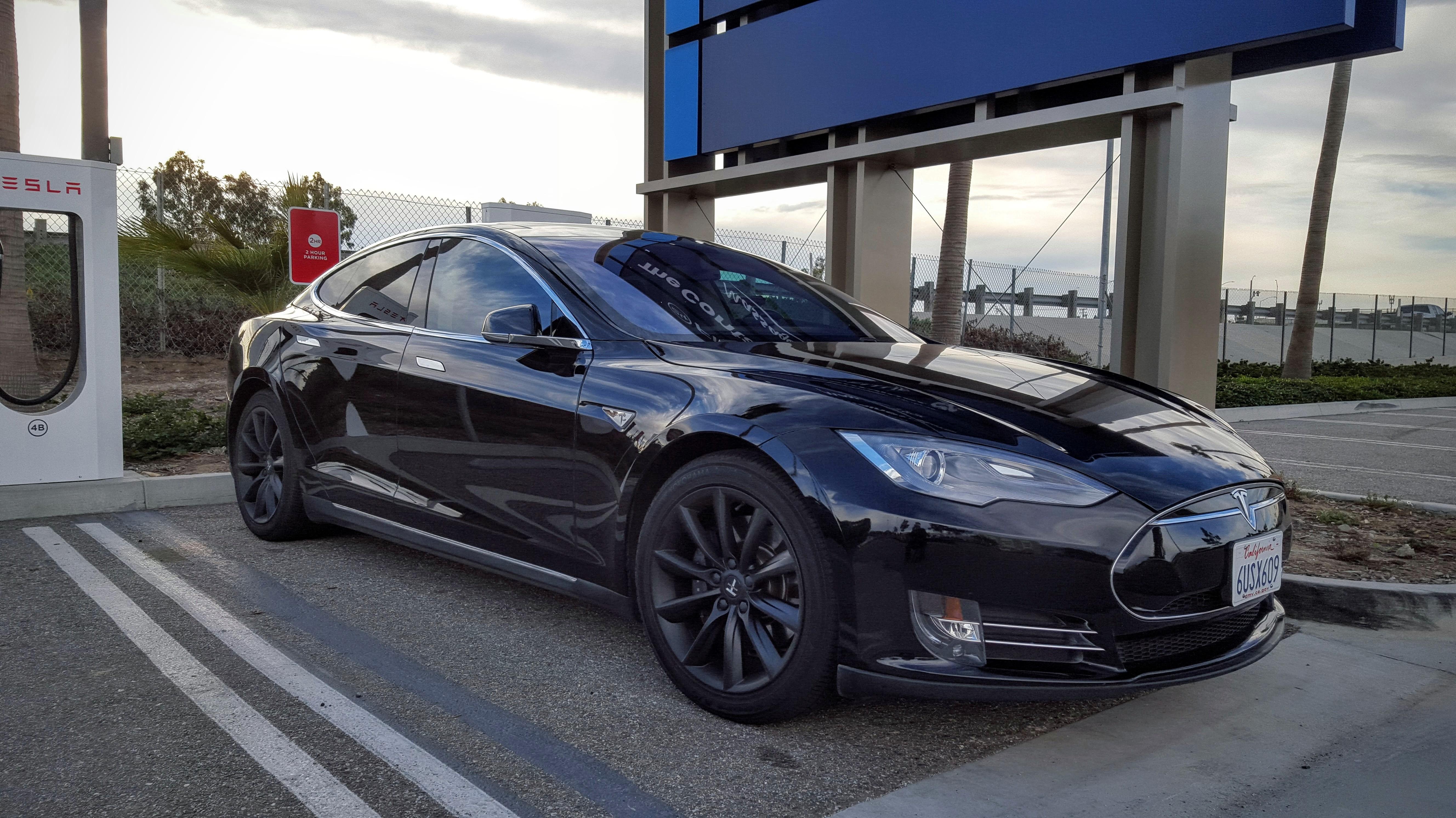 Tesla Updates Door Opening Mechanism For Model S