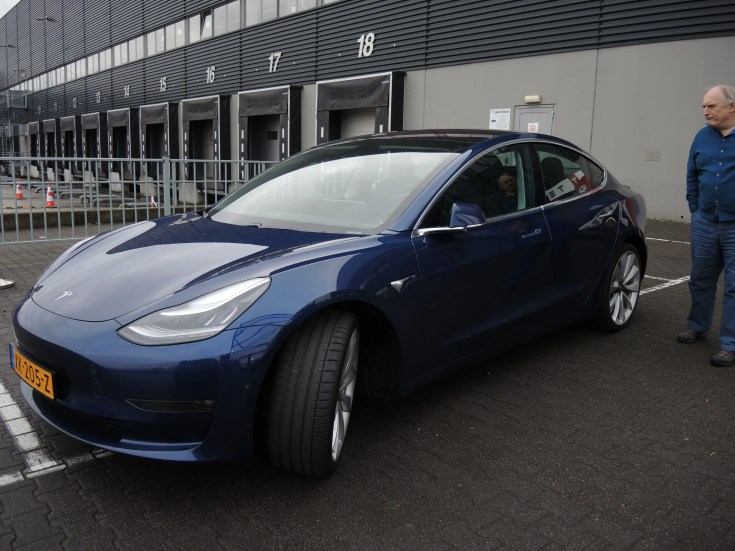 Tesla Model 3 in Tllburg