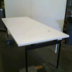 Knoll Antenna Table 84″L x 36″D