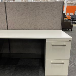 Certified Pre-Owned Herman Miller AO2 Workstation (6'D X 6'W X 53″H)