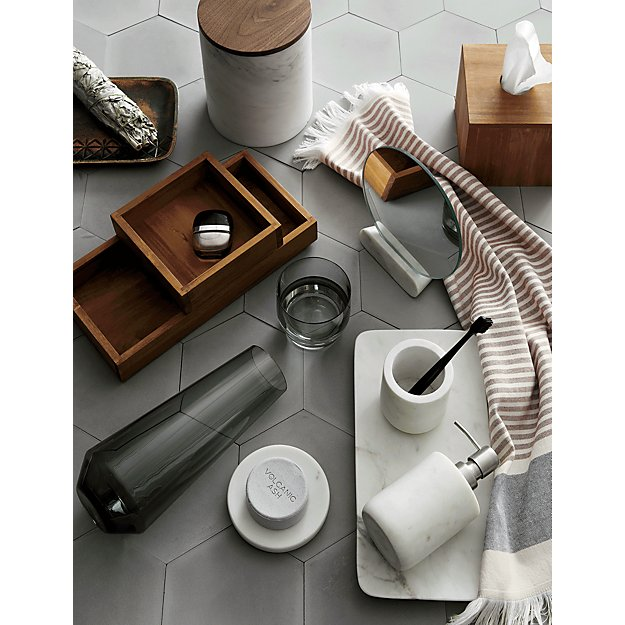 accessories for an eco-friendly bathroom