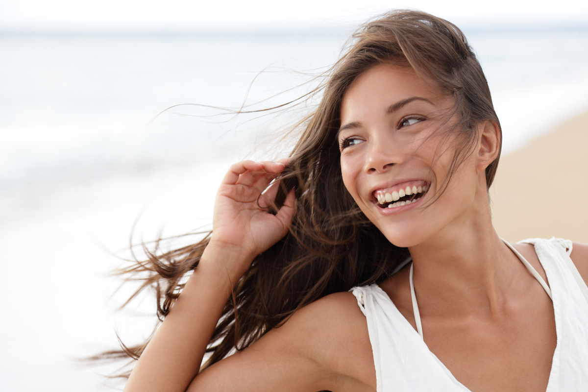 Keep your skin glowing. Beauty Products: What Ingredients Can And Cannot Be Mixed!