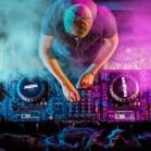 Three Ways Social Media Marketing Is Like Being An EDM DJ