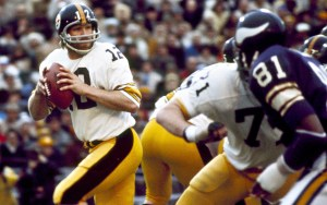 Terry Bradshaw won 4 Super Bowls and was inducted into the Hall of Fame in 1989