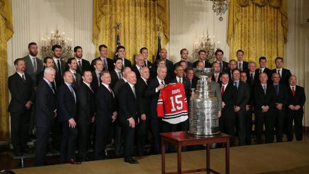chi-afp-getty-obama-welcomes-stanley-cup-champion-chicago-blackh-20160218