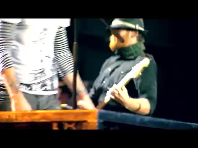 Скачать Linkin Park - Given Up клип бесплатно