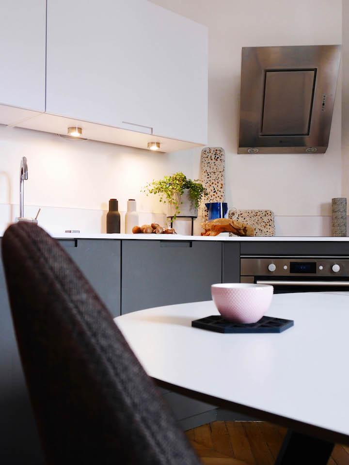 Cuisine Grise Et Blanche Planche Decoupe Fromage Terrazzo