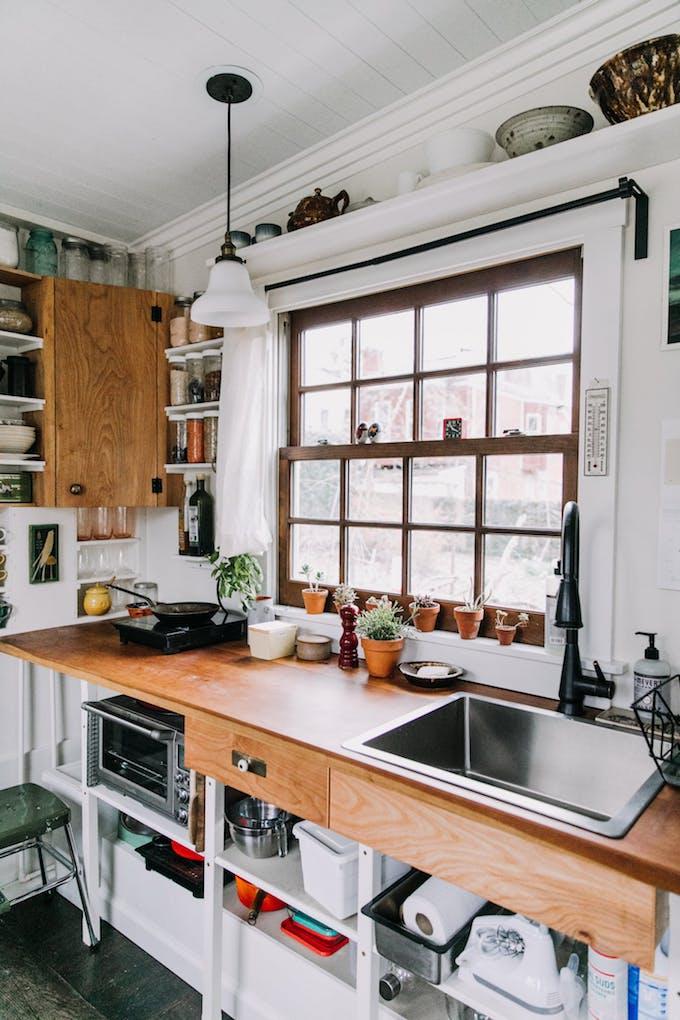 Petite Maison Simple Cuisine Personnalisation Aménagement Roulotte Fenêtre  Diy Bois Cerisier