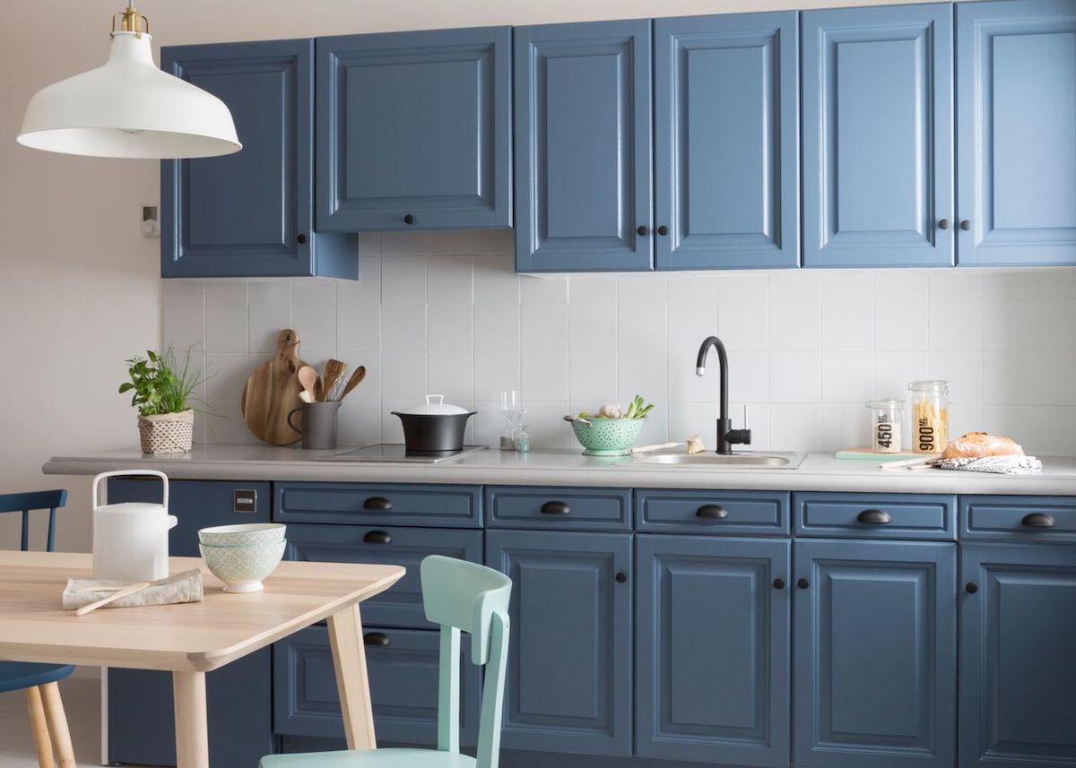 cuisine bleue design avec placards bois style scandinave cover - blog déco - clem around the corner