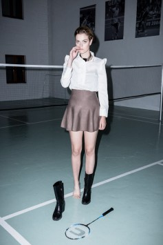 Portrait of Natalie playing badminton, badminfun, flash, mode, fit, fashion, mode, clemenfoto, fotograf