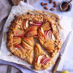 tarte rustique aux pommes avec des amandes effilées