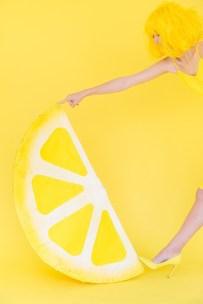 DIY-Lemon-Wedge-Pinata4-600x900