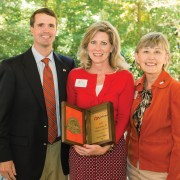 Alumni Volunteer of the Year Sonya Ables '79 (center) with Wil Brasington and Alumni President Ann Hunter