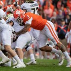 Brent Venables, Clemson Working Hard to Get 'Really Special' Version of Xavier Thomas Back