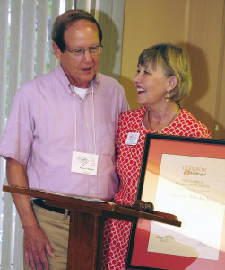 Alfred G. Wheeler Jr. and Alumni President Ann Hunter