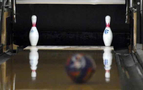 Cleveland Bowler Hits Nearly Impossible 7 10 Split Clarion