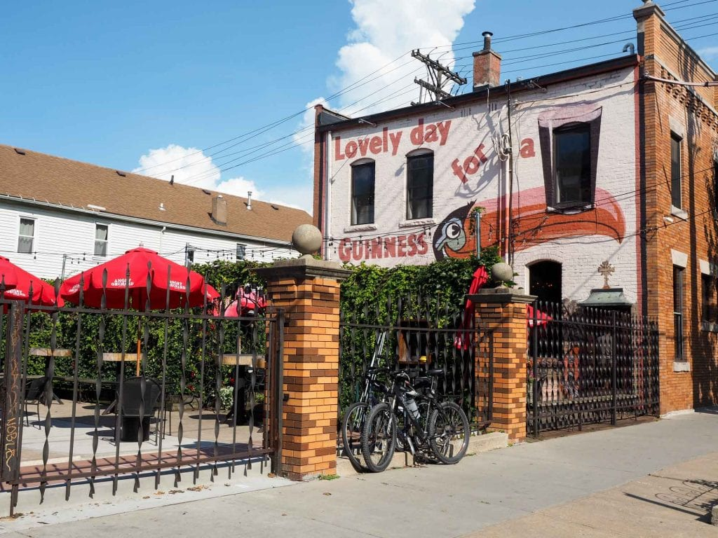 Tremont bar