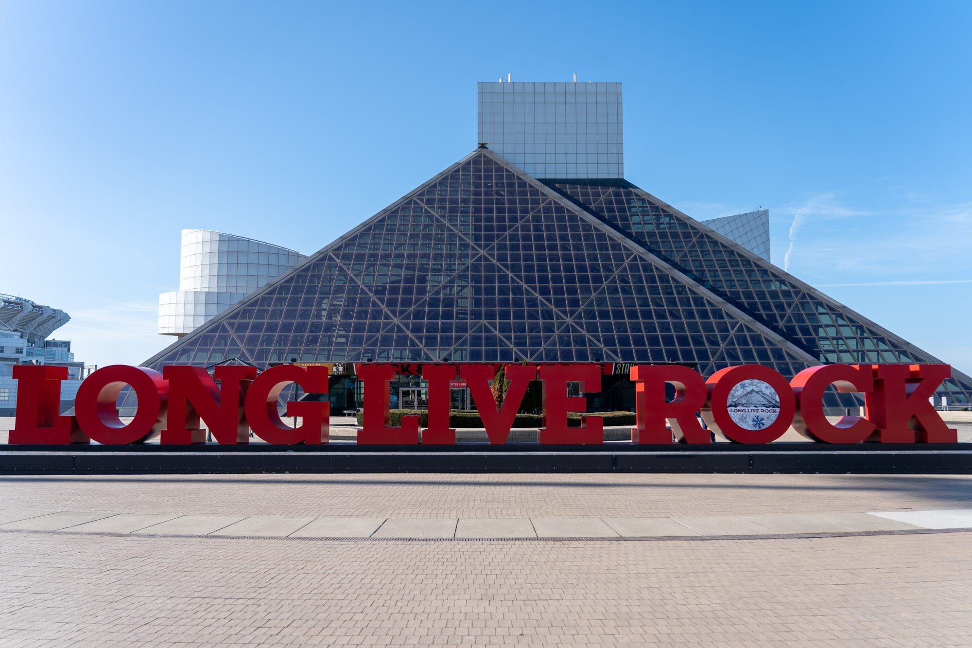 DOs and DON'Ts for Visiting the Rock and Roll Hall of Fame