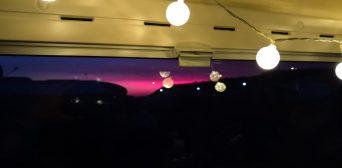 Lichterkette im Kastenwagen