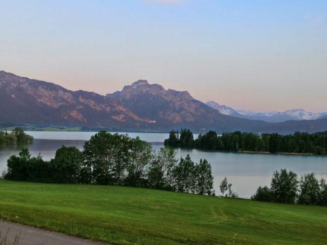Bayerische Seen - abends am Forggensee