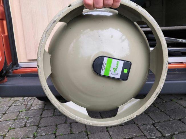 Mopeka Sensor unter der Gasflasche