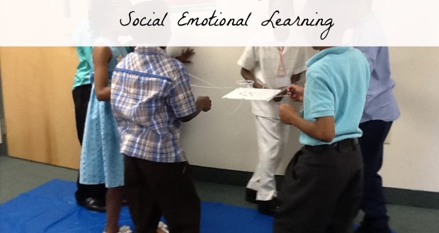 10 Ways parents can promote social emotional learning