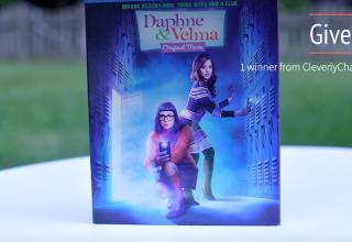 GiveawayDVD ofDaphne and Velma