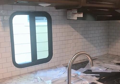 peel and stick backsplash kitchen