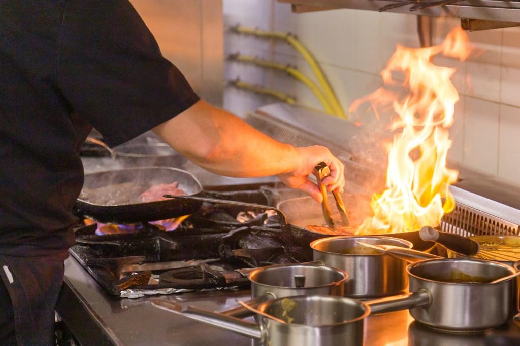 restaurant-cuisine-chef-cuisson