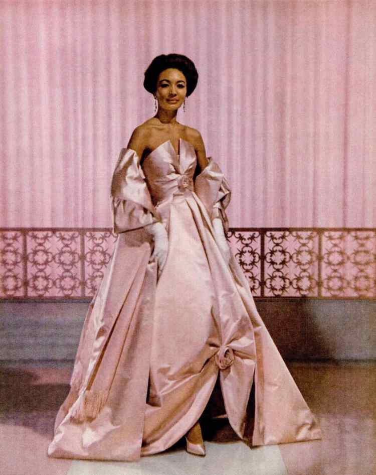 Breathtakingly gorgeous vintage pink dress from 1960