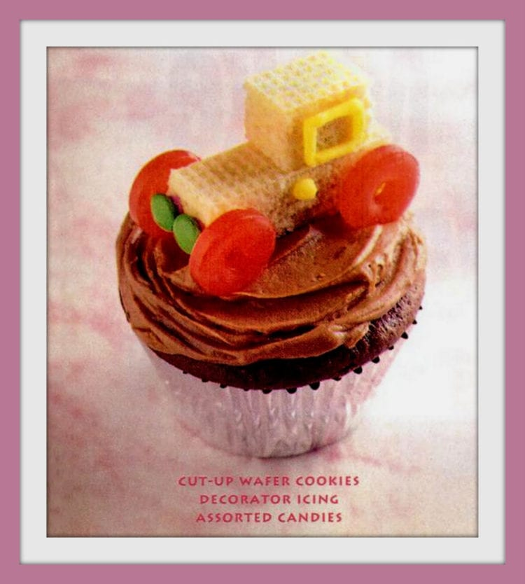 Cute ways to decorate cupcakes from 1995 - a wafer cookie car