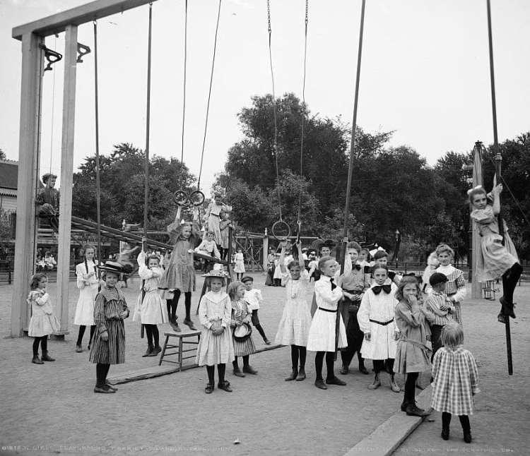 Girls' playground, Harriet Island, St. Paul, Minn. 1905