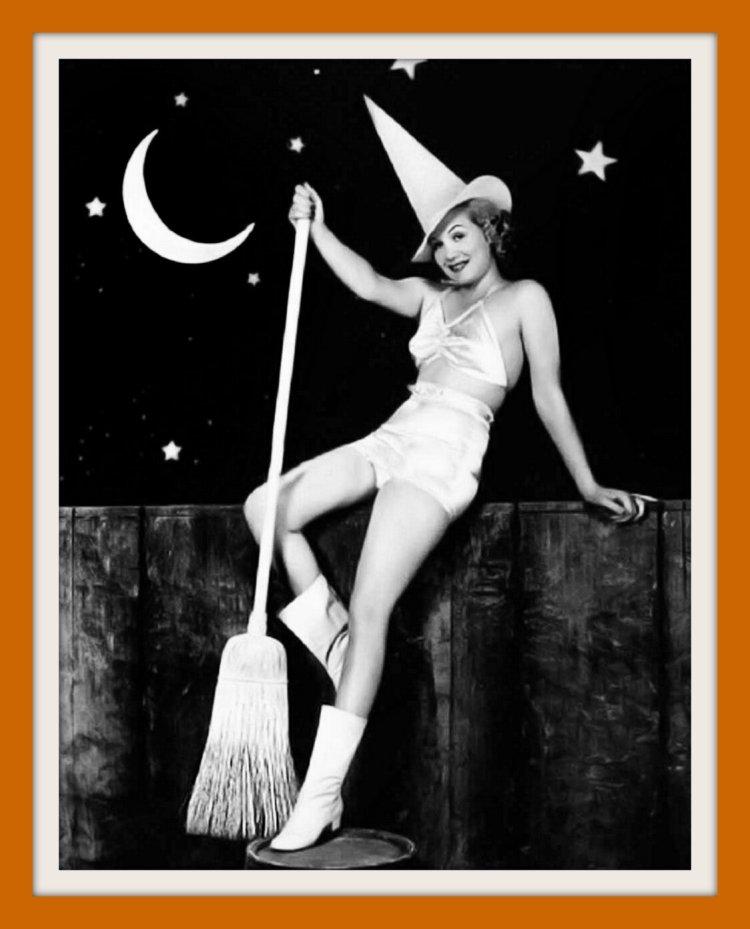 Gloria Dickson - vintage Halloween pin-up girls