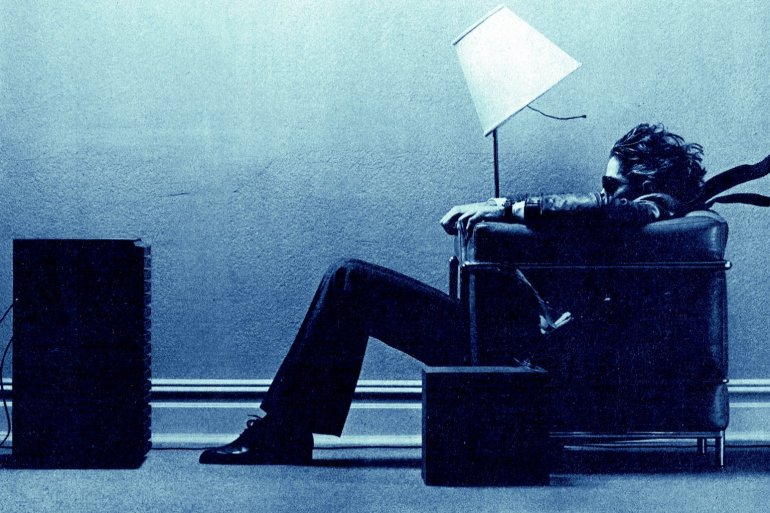 Maxell tapes - Blown away guy in chair - 1983