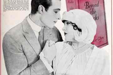 Rudolph Valentino, Gloria Swanson - couple starring in Beyond the Rocks 1922