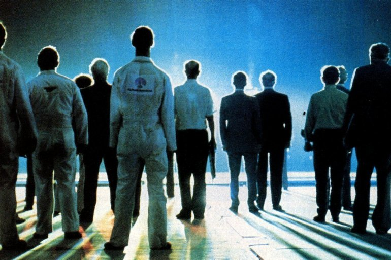 The aliens are coming - Close Encounters of the Third Kind movie (1)