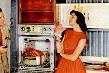 The perfect 50s housewife