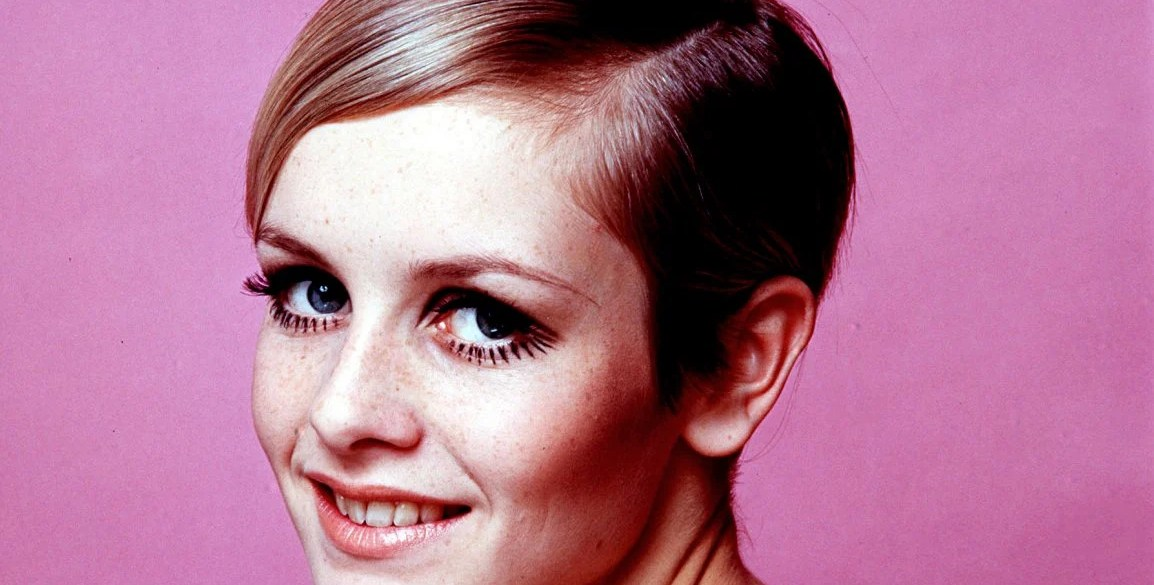 Twiggy on pink