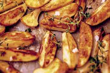 20 ways to serve potatoes (1912)