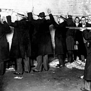 reenactment of St Valentine's Day massacre 1929 for jurors