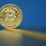 Bitcoin là ảo, vô giá trị?
