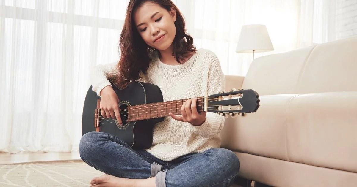 3 sites para aprender a tocar violão