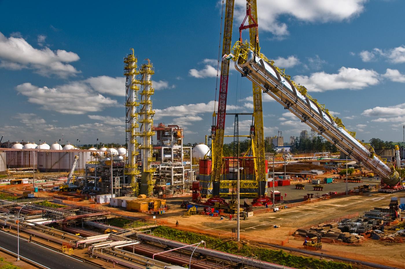 Resultado de imagem para Petrobras reduz e