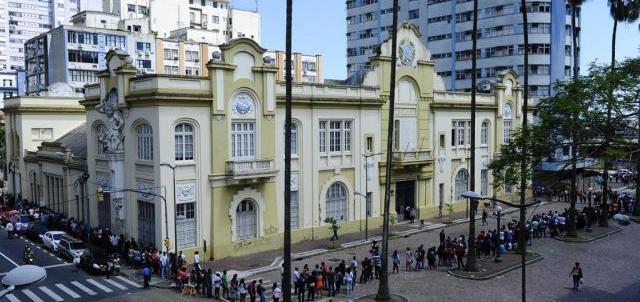 Porto Alegre tem 3 mil oportunidades temporárias de emprego hoje