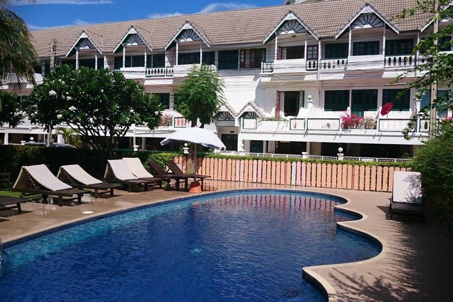 Baan Thai Vacation Villa Beach Pool Gardens Cafe Wifi