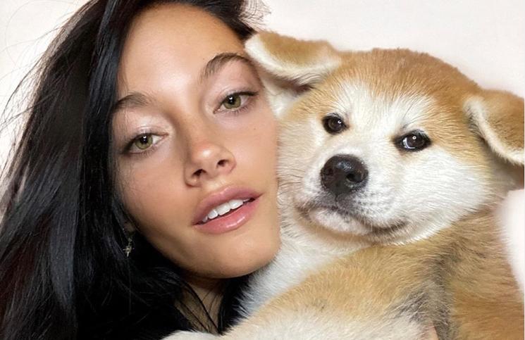 Oriana Sabatini convirtió la fábrica de Ricardo Fort en una peluquería canina